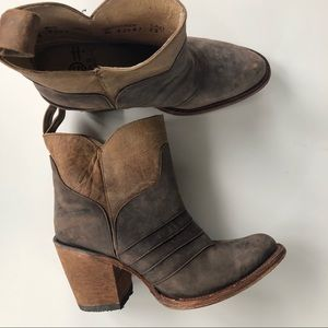 Corral Circle G Leather Ankle Boots 6